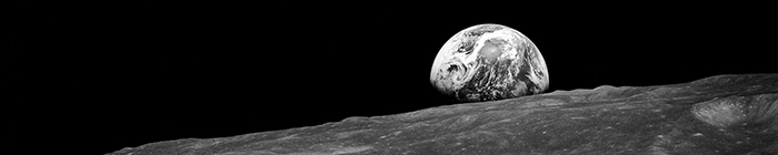 Original NASA Earthrise Foto (1968, svartvitt)